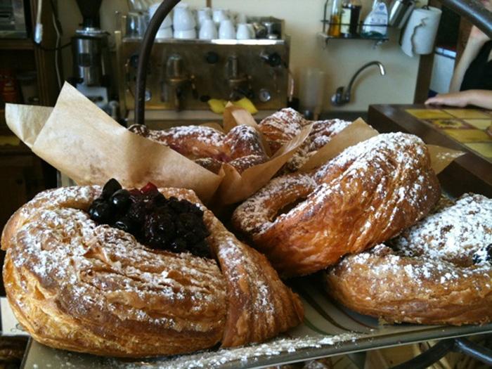 לחם בורקין, מאפיה ביתית, יום כייף בבנימינה, טיול קיסריה, מסעדה בבנימינה, בית קפה בבנימינה, אורי ורד