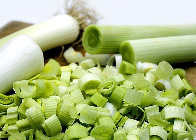 לביבות, קציצות, כרישה, עדשים מונבטים, עדשים מונבטות, טבעוני, טבעוניות, אוכל אמיתי