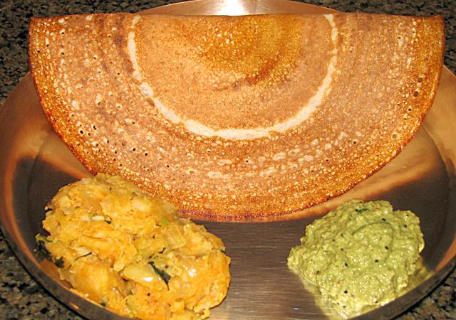 דוסה, מתכון, לביבות ללא ביצים, מתכון טבעוני, לביבות צמחוניות, לביבות בטטה טבעוניות, בישול ללא ביצים, בישול טבעוני, אוכל הודי