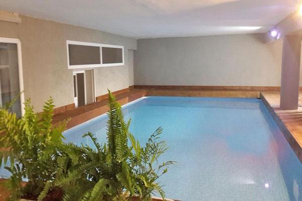 הבריכה | מותאמת במיוחד לטיפולי מים, הידרותרפיה ו – וואטסו