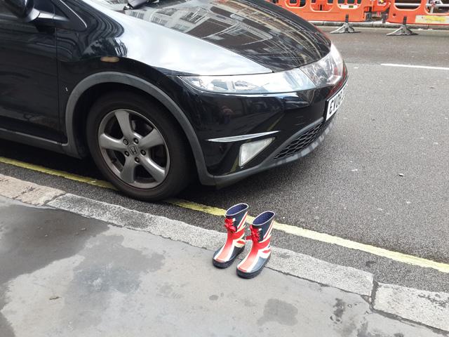 לונדון לא מחכה לי, טיול רגלי בלונדון, ריג'נט פארק, מגפיים, קונים מהר, מים אדמה, אורי ורד, וואטסו