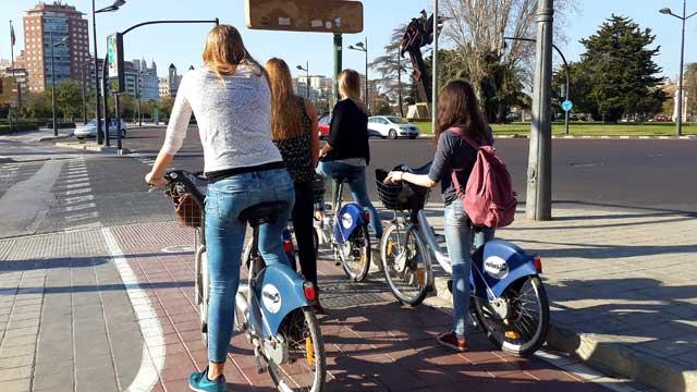 טיול בספרד עם ילדים, טיול משפחות בספרד, טיול משפחתי בוולנסיה, וולנסיה, valencia, שוק בוולנסיה, שוק בספרד, מסלול אופניים