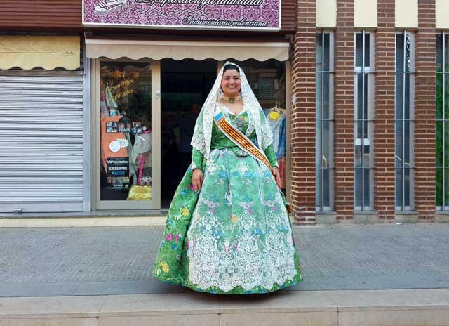 טיול בספרד עם ילדים, טיול משפחות בספרד, טיול משפחתי בוולנסיה, וולנסיה, valencia, שוק בוולנסיה, שוק בספרד, שמלה ולנסיאנית